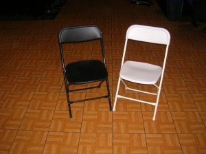 chair poly white & black